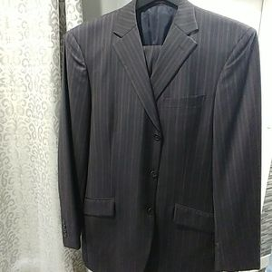 Other - 100% wool 3 button men suit